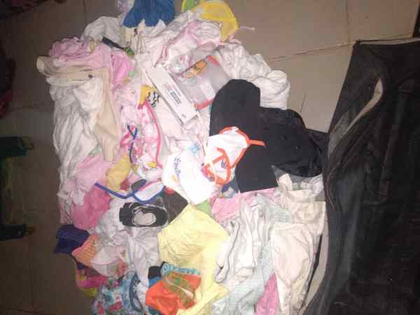 Winning Jah and Amc1d Aiuta Bambini Onlus donated clothes to baby Grace